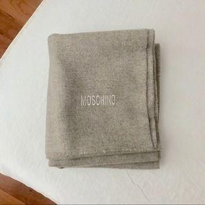 NWOT moschino merino lambswool designer scarf